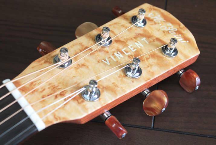VINCENTギター:ヘッド部分