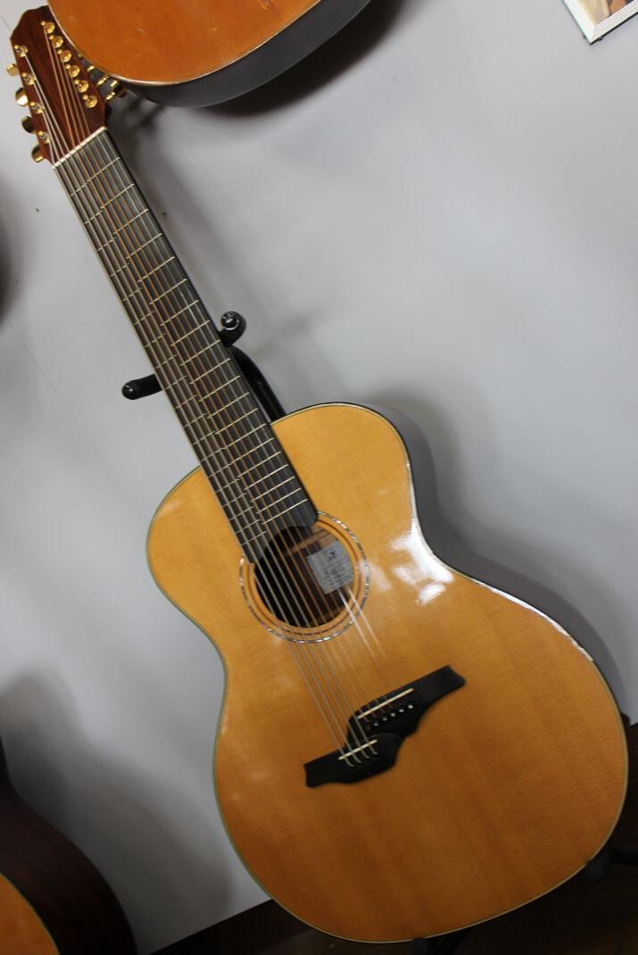 ベースとギターのあいの子