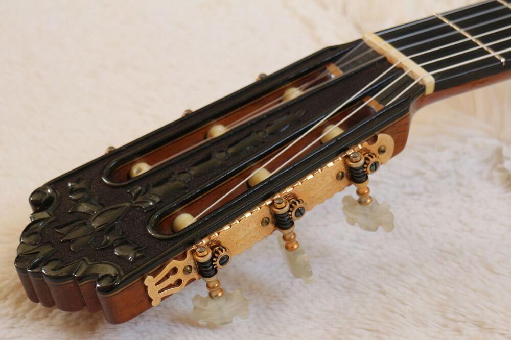 クラシックギターのヘッド